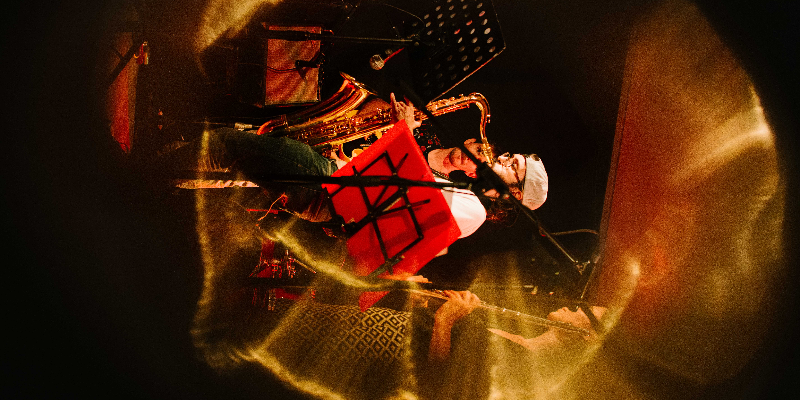 Girassol, groupe de musique Chanteur en représentation à Paris - photo de couverture n° 2