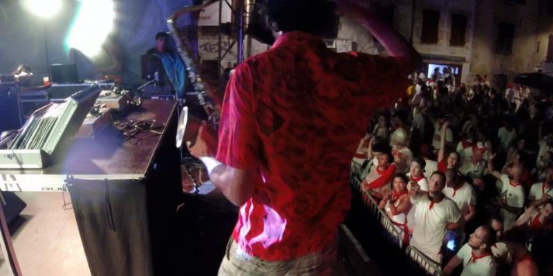 Antoine Lanneau / RAKSAX, DJ Dj en représentation à Pyrénées Atlantiques - photo de couverture