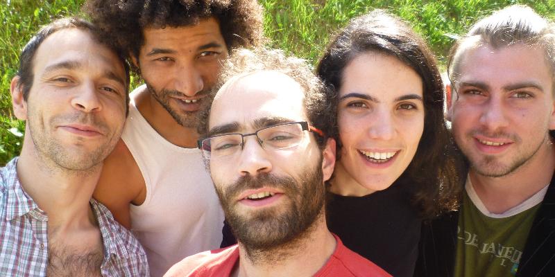 Samba pros Vizinhos, groupe de musique Samba en représentation à Drôme - photo de couverture