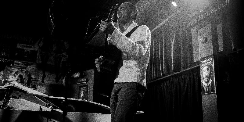 Milanose, musicien Chanteur en représentation - photo de couverture n° 2