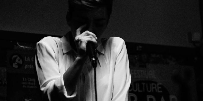 Eliott, groupe de musique Chanteur en représentation à Paris - photo de couverture n° 3