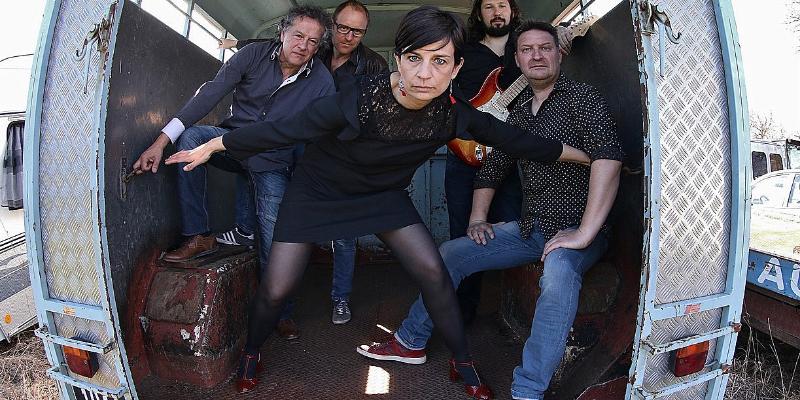 Lapsus, groupe de musique Chanteur en représentation - photo de couverture n° 2