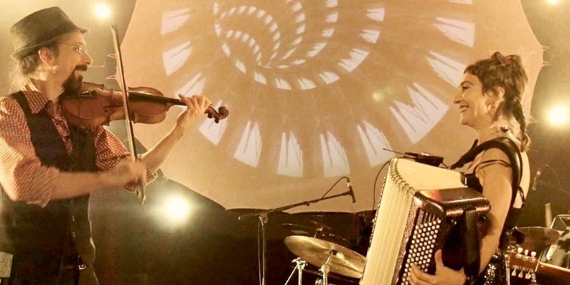 Lavach', groupe de musique Musiques du monde en représentation à Drôme - photo de couverture n° 3