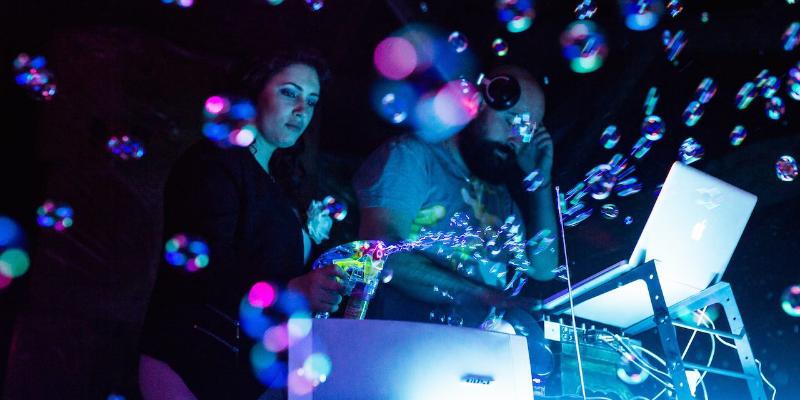 Juicy James, musicien Electronique en représentation - photo de couverture n° 1