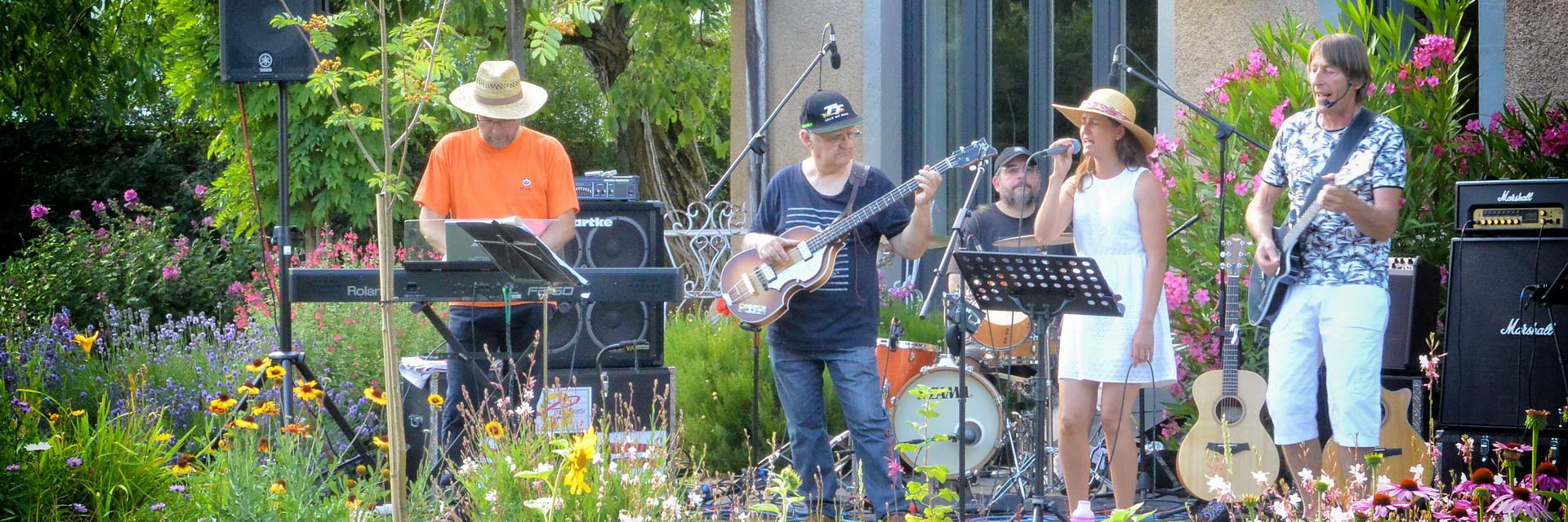 GROOVE LATITUDE, groupe de musique Rock en représentation à Côte d'Or - photo de couverture n° 4