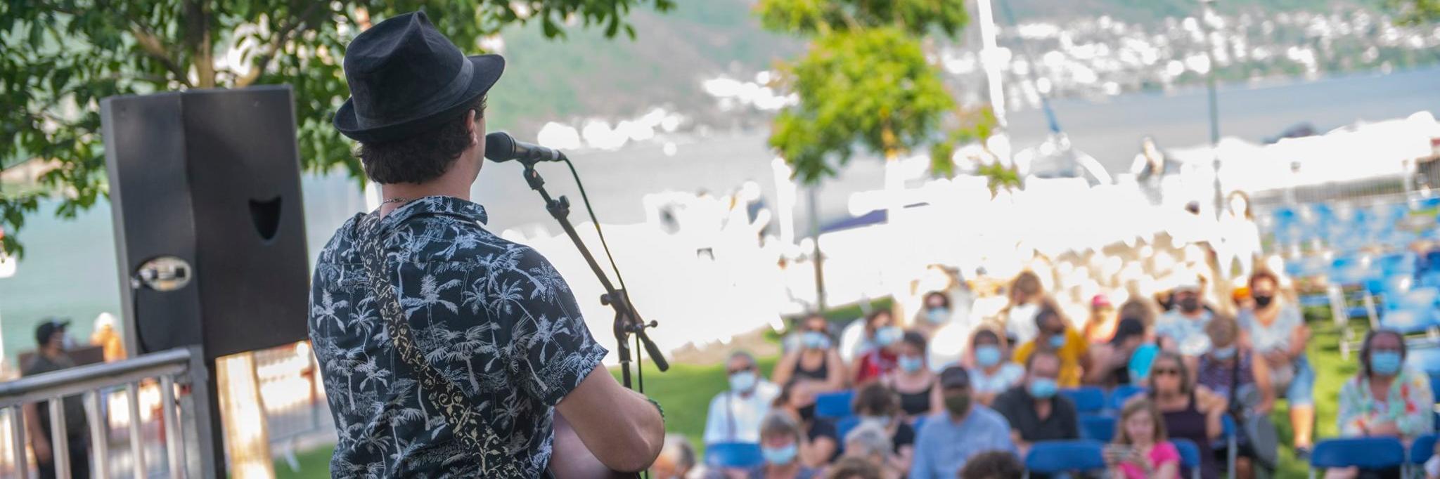 Alexis Laurent - Crapahuteur Musical, musicien Chanteur en représentation à Haute Savoie - photo de couverture
