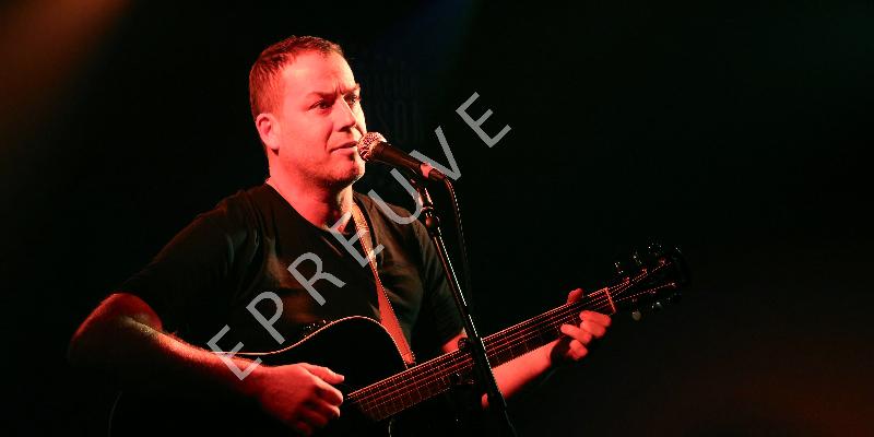 Guillot, musicien Chanteur en représentation - photo de couverture n° 2