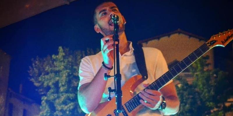 César Bouad, musicien Chanteur en représentation à Aveyron - photo de couverture n° 2