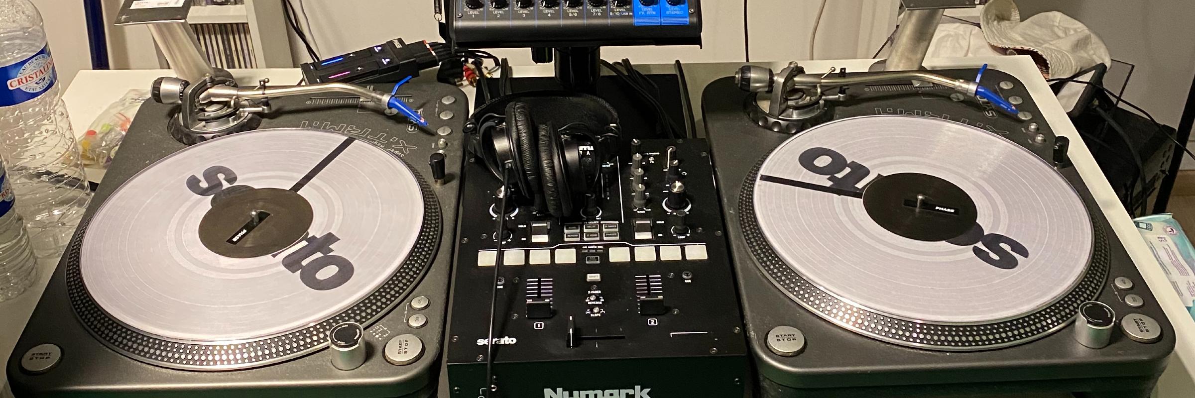 Cardon, DJ Dj en représentation à Nord - photo de couverture
