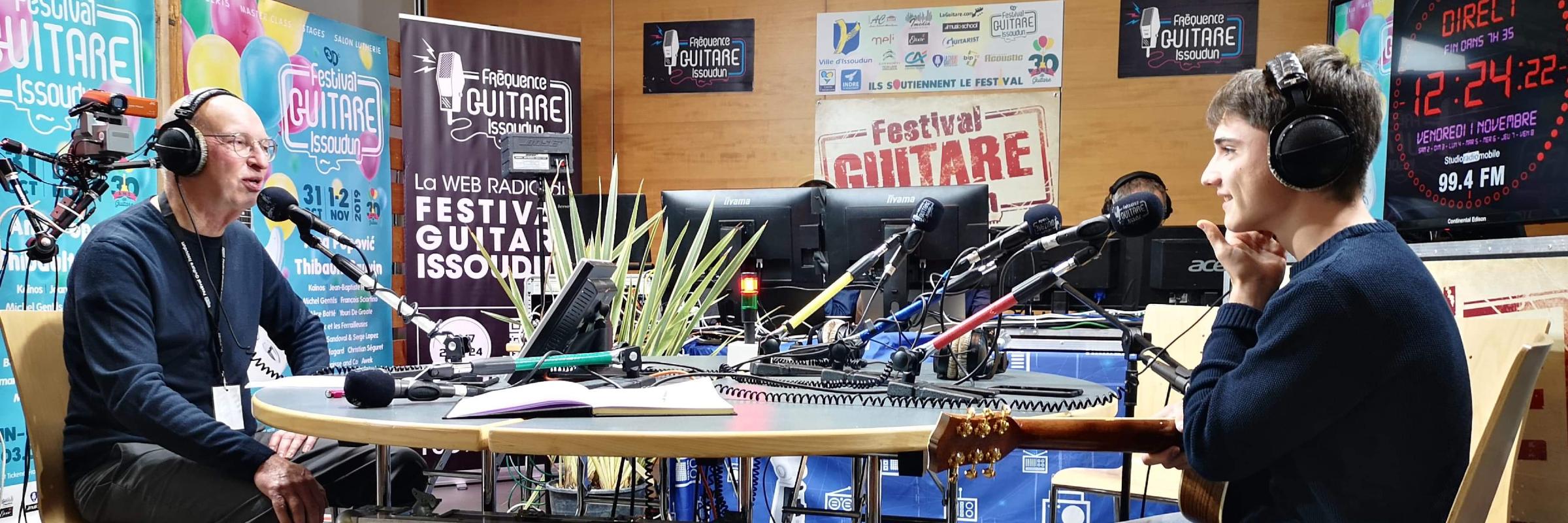 Clément Calles, musicien Guitariste en représentation à Gironde - photo de couverture