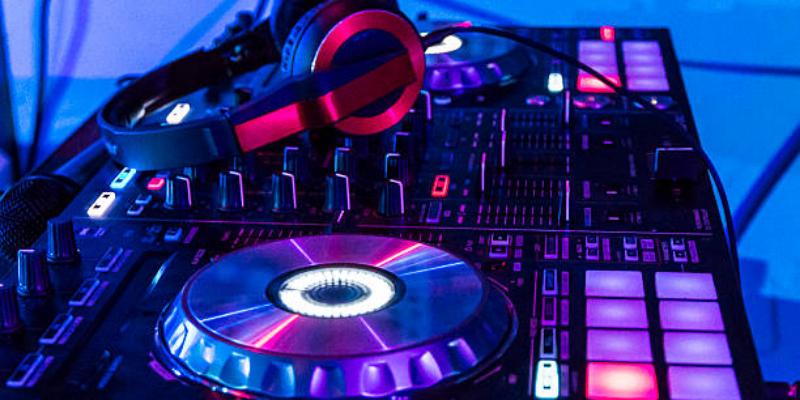 Vincent Bastille, DJ Dj en représentation - photo de couverture n° 3