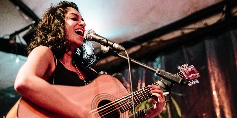 Sumana, musicien Acoustique en représentation à Paris - photo de couverture n° 1