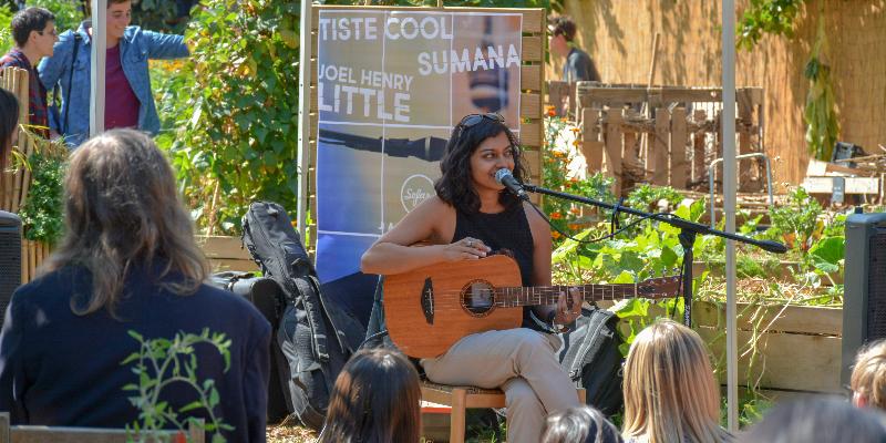 Sumana, musicien Acoustique en représentation à Paris - photo de couverture n° 2