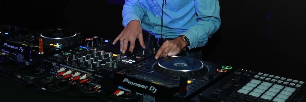 Florian Groovel, DJ Dj en représentation à Paris - photo de couverture n° 3