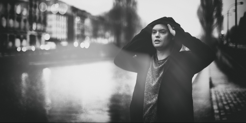 Gris Lagon, groupe de musique Chanteur en représentation - photo de couverture