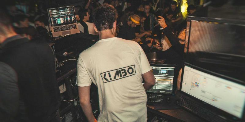 Dj KUB, DJ Dj en représentation - photo de couverture n° 1