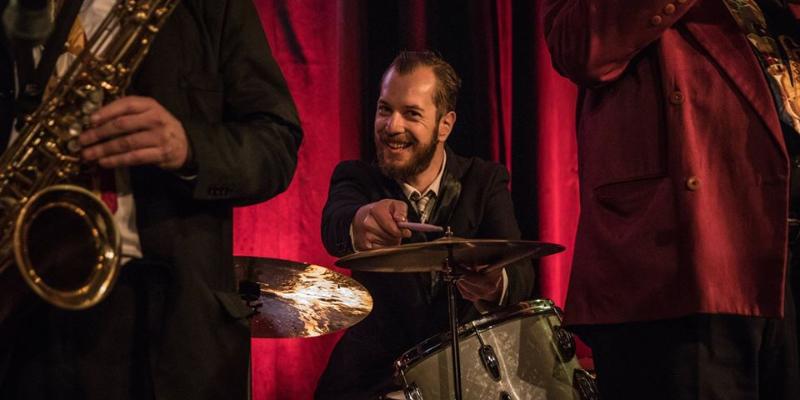 Thomas Racine, musicien Jazz en représentation à Seine Saint Denis - photo de couverture