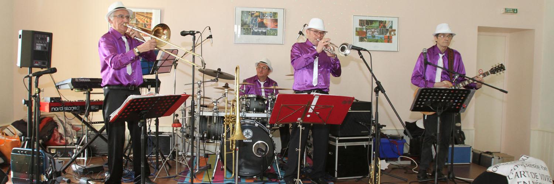 kris and co, groupe de musique Chanteur en représentation à Dordogne - photo de couverture
