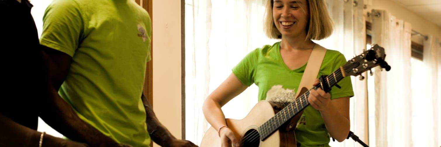 Jade Louvat, musicien Chanteur en représentation à Savoie - photo de couverture n° 5