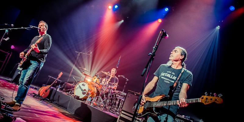 LES INFIDELES, groupe de musique Rock en représentation - photo de couverture n° 3