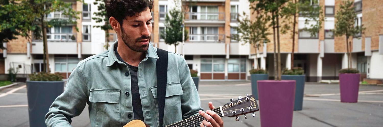 Païkan, musicien Chanteur en représentation à Nord - photo de couverture