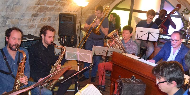 Delakian Big band, groupe de musique Jazz en représentation - photo de couverture