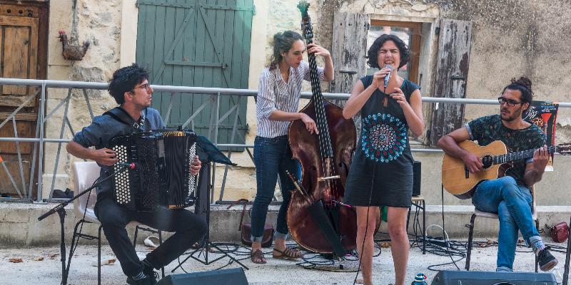 Nicolas Almosni, groupe de musique Jazz en représentation à Paris - photo de couverture n° 2