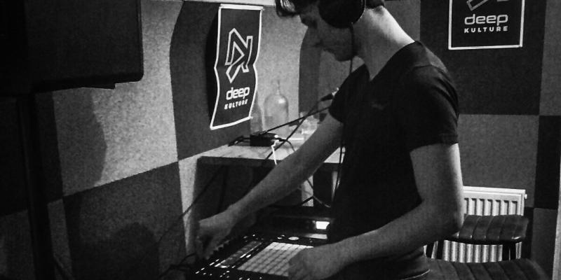 Nielzbor, musicien Electronique en représentation - photo de couverture n° 1