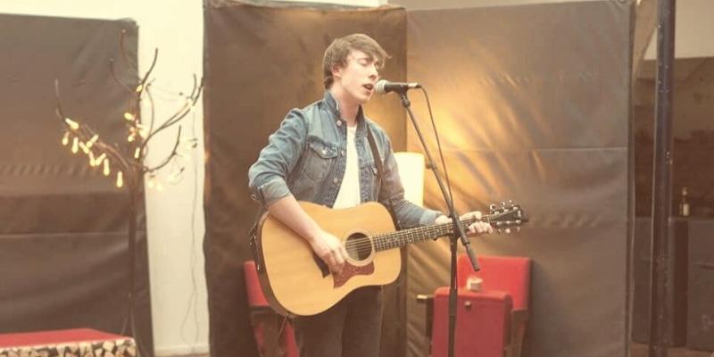 David James Murphy , musicien Chanteur en représentation - photo de couverture n° 2
