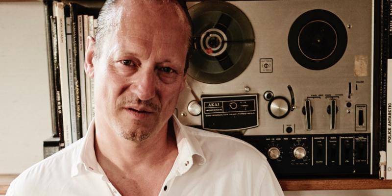 Dan Adrien, DJ Dj en représentation - photo de couverture n° 2