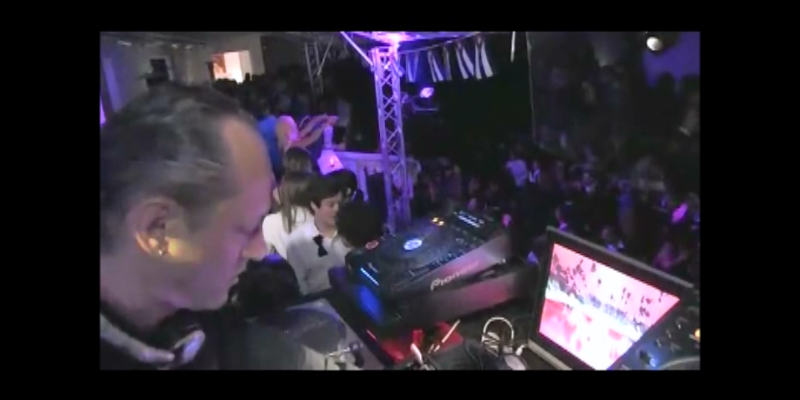 Dan Adrien, DJ Dj en représentation - photo de couverture n° 1