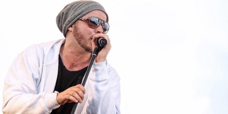 Remy Sabattier, groupe de musique Hip-Hop en représentation à Rhône - photo de couverture