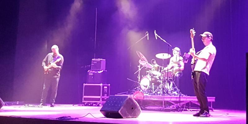 Haze Project Trio, groupe de musique Rock en représentation - photo de couverture n° 2