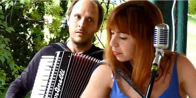 Dumont, Dahlia, groupe de musique Folk en représentation à Hauts de Seine - photo de couverture n° 3