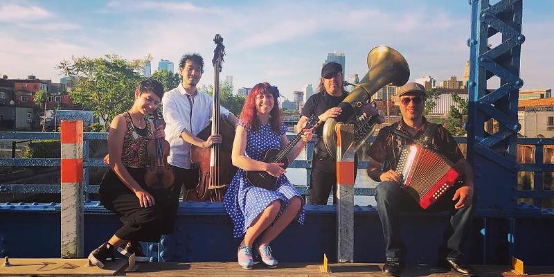 Dumont, Dahlia, groupe de musique Folk en représentation à Hauts de Seine - photo de couverture n° 2