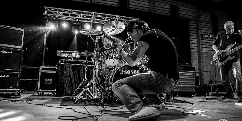 stephensen , groupe de musique Rock en représentation - photo de couverture