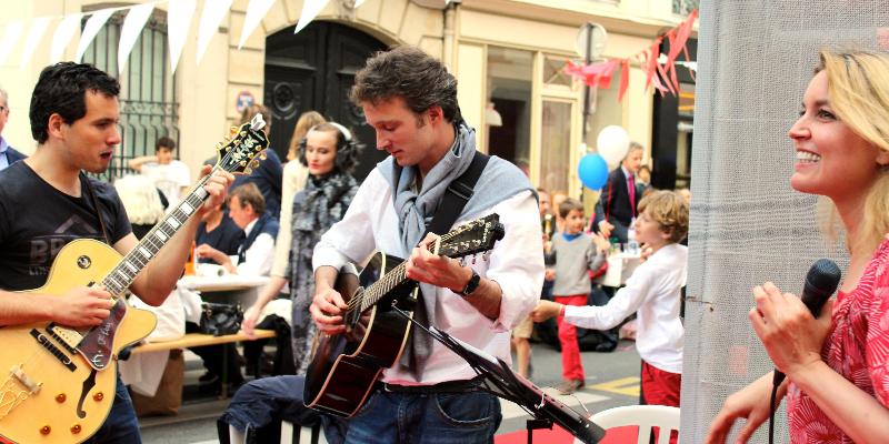 MV, musicien Chanteur en représentation à Paris - photo de couverture n° 3
