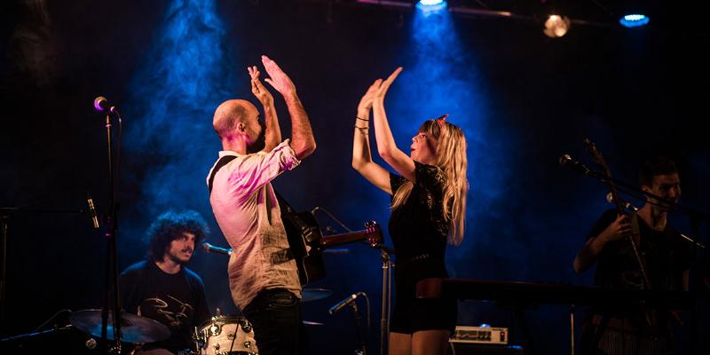 PLANETE BOLINGO, groupe de musique Rock en représentation - photo de couverture