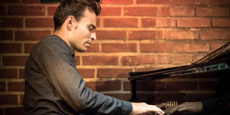 Thomas Mayeras, musicien Pianiste en représentation à Loire Atlantique - photo de couverture n° 1