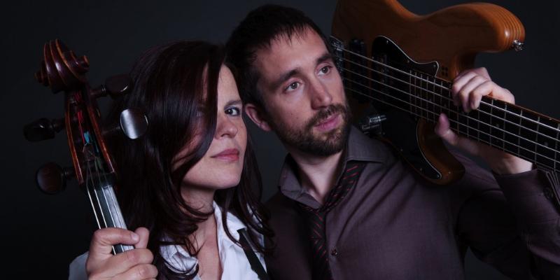 HUM duo, musicien Chanteur en représentation - photo de couverture