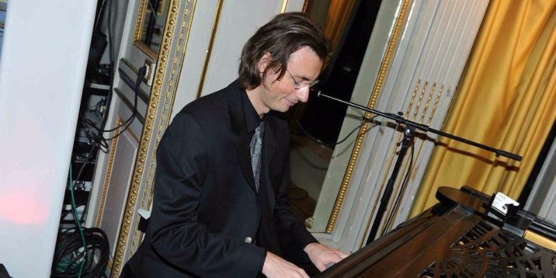 KERG'YAM, musicien Pianiste en représentation - photo de couverture n° 3