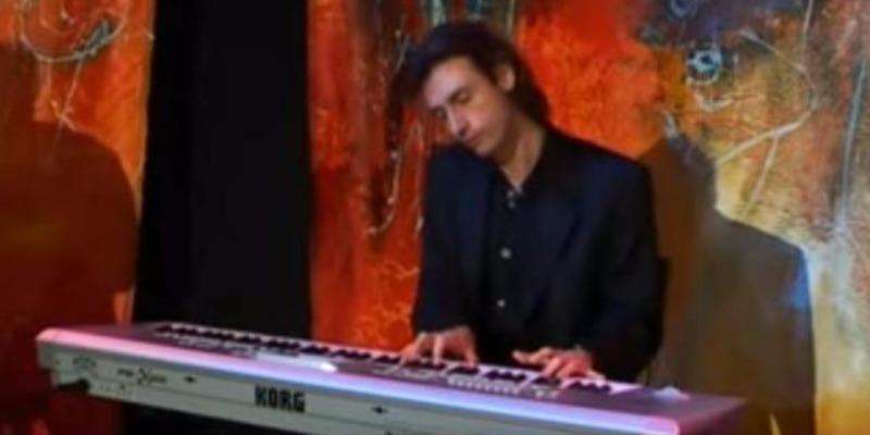KERG'YAM, musicien Pianiste en représentation - photo de couverture n° 2
