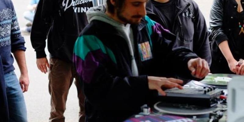 Saligo , musicien Electronique en représentation - photo de couverture n° 2