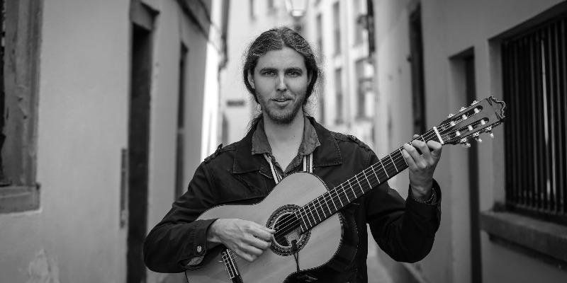 Arnaud Ribot, musicien Chanteur en représentation - photo de couverture n° 3
