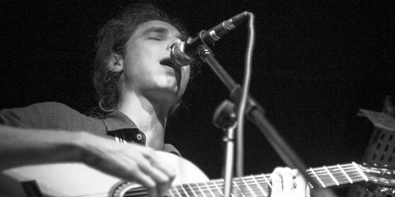 Arnaud Ribot, musicien Chanteur en représentation - photo de couverture n° 1