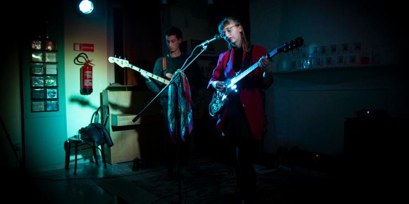 Mackenzie Leighton, musicien Chanteur en représentation à Paris - photo de couverture n° 2