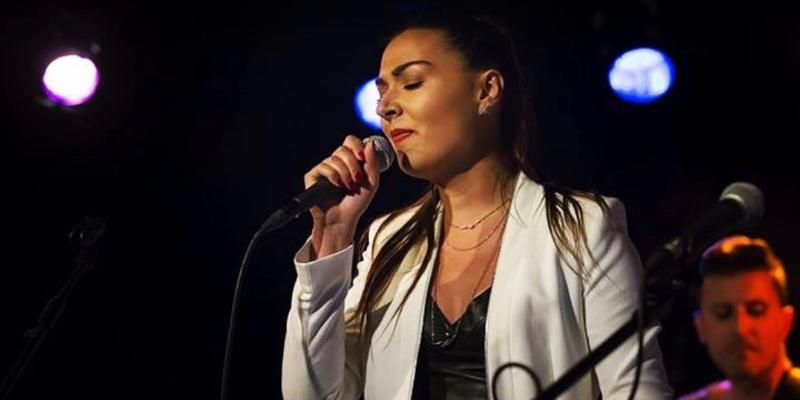 Maurine, musicien Soul en représentation à Paris - photo de couverture n° 1