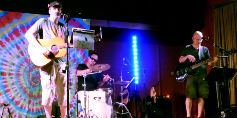 Big Olive & Woodstork, groupe de musique Guitariste en représentation à Bas Rhin - photo de couverture n° 2