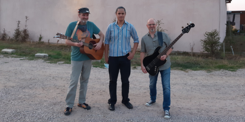 Big Olive & Woodstork, groupe de musique Guitariste en représentation à Bas Rhin - photo de couverture n° 3