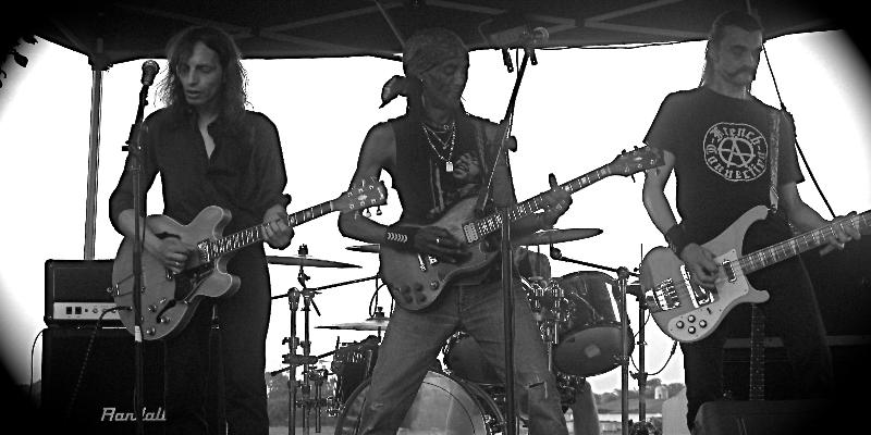 A French Connection, groupe de musique Rock en représentation - photo de couverture